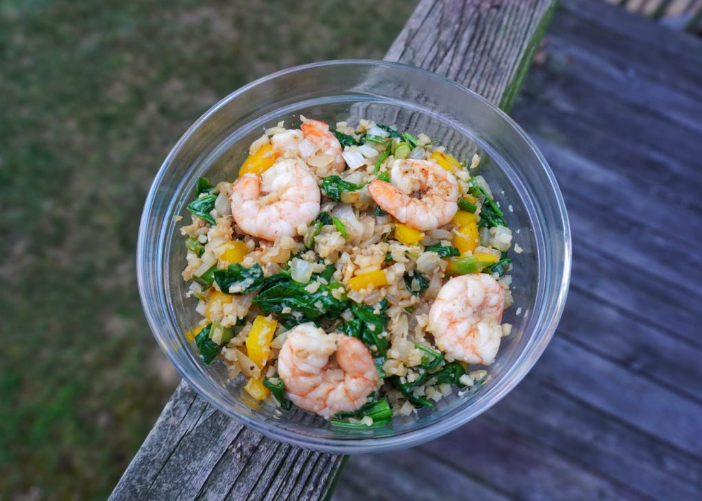 cauliflower fried rice with shrimp, spinach, onion, bell pepper